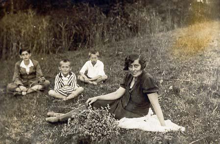 1934. júl 9. Sárbogárd