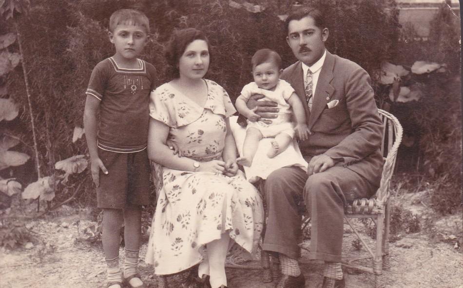 Fájth Ádám a családjával