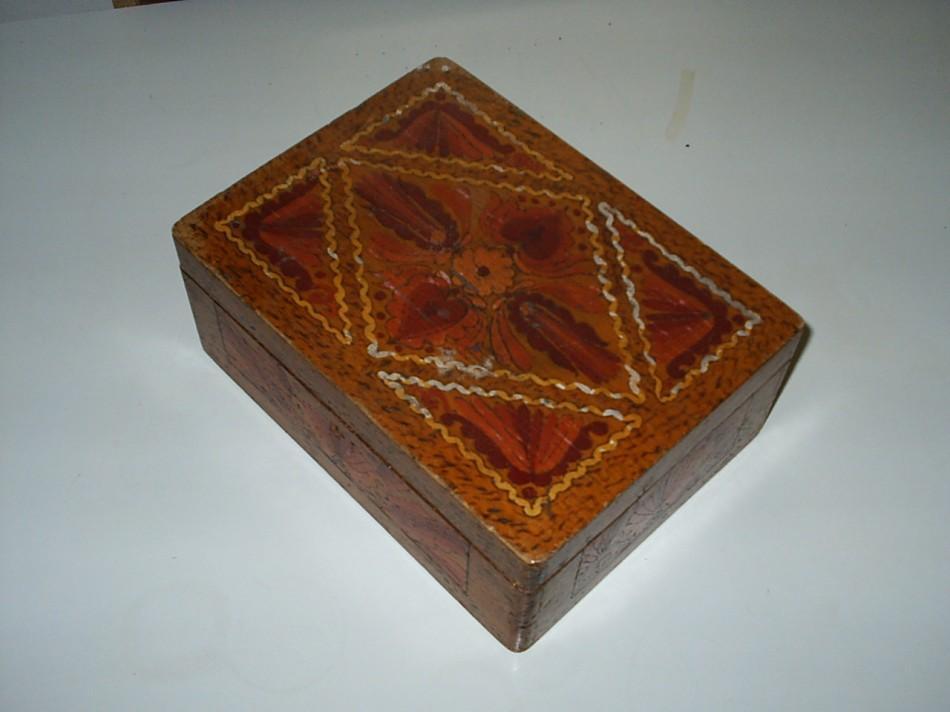 Hímzett doboz