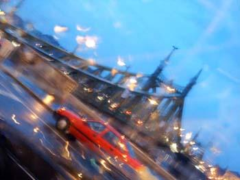 Repkedő Szabadság híd